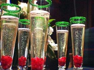 wpid-b2e0f5b250b0a44b_HCHOL_festive-drinks_s4x3_lg.xxlarge.jpg