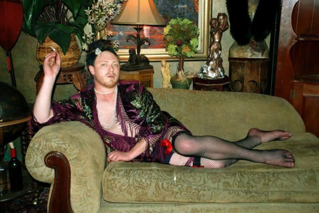 Genderfluid Burlesque Dishabile